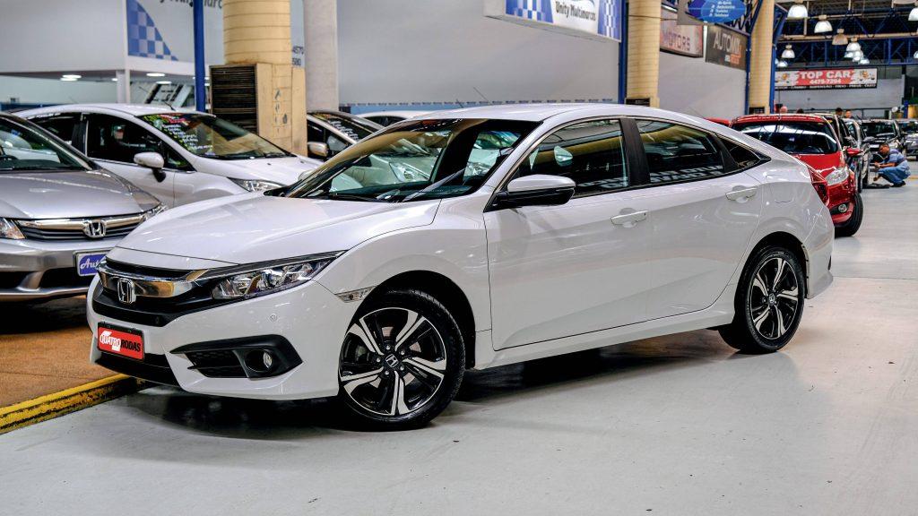 Carros novos em falta e preços em alta faz bombar vendas de carros usados